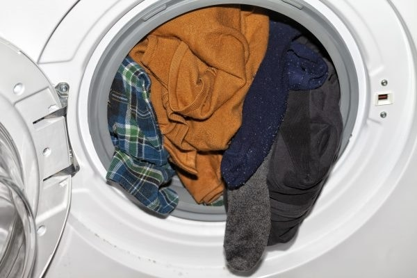 electrolux washer leaves clothes wet